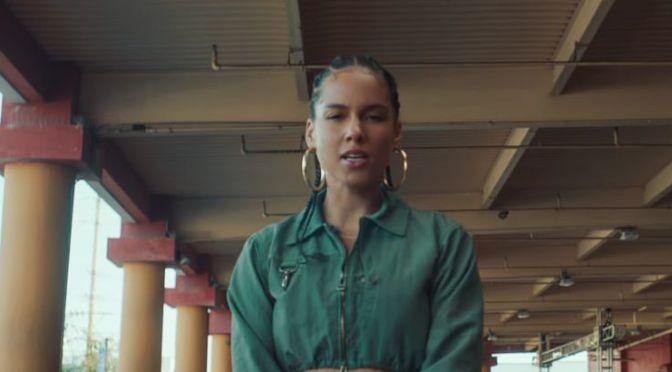 Video : Alicia Keys – Underdog